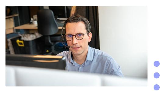 julien-est-ingenieur-commercial-chez-infolegale